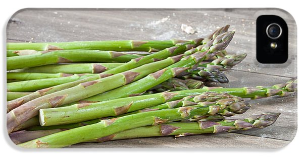 Asparagus IPhone 5 / 5s Case by Tom Gowanlock