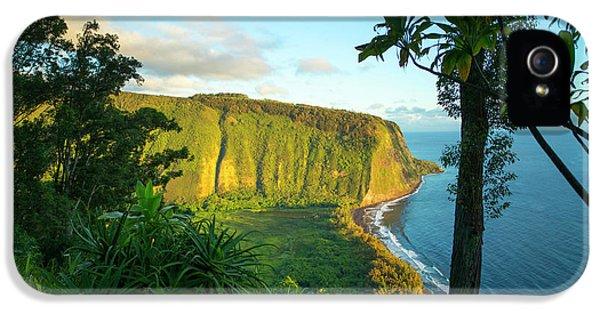 Waipio Valley, Hamakua Coast, Big IPhone 5 Case by Douglas Peebles