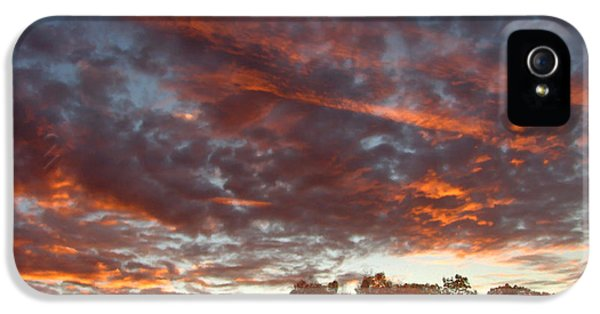 A Grand Sunset 2 IPhone 5 Case by Glenn McCarthy Art and Photography