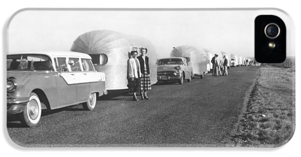 A Line Of Airstream Trailers IPhone 5 Case by Underwood Archives