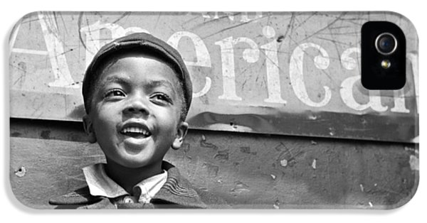 A Young Harlem Newsboy IPhone 5 / 5s Case by Underwood Archives