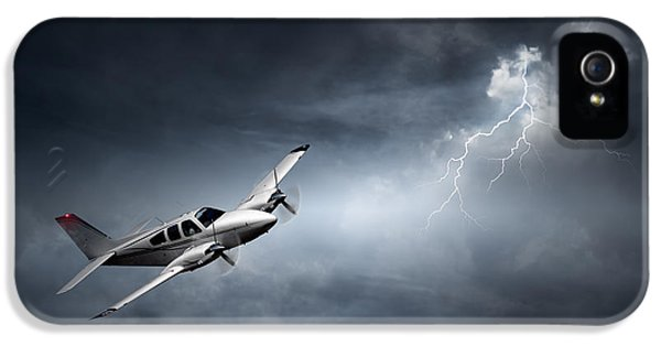 Risk - Aeroplane In Thunderstorm IPhone 5 Case