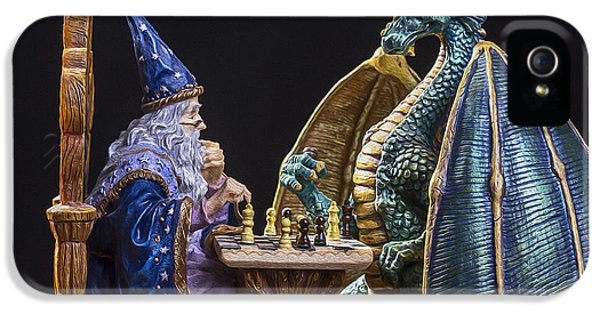 Dungeon iPhone 5 Case - An Epic Chess Match by Bill Tiepelman