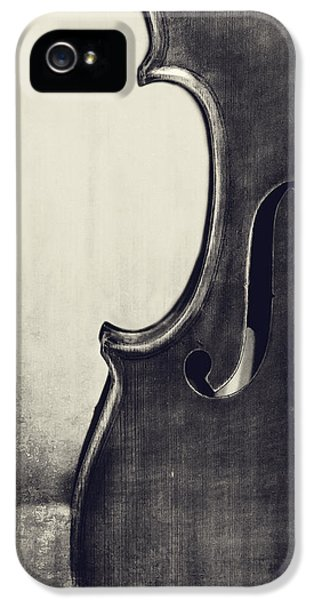 Violin iPhone 5 Case - An Old Violin In Black And White by Emily Kay