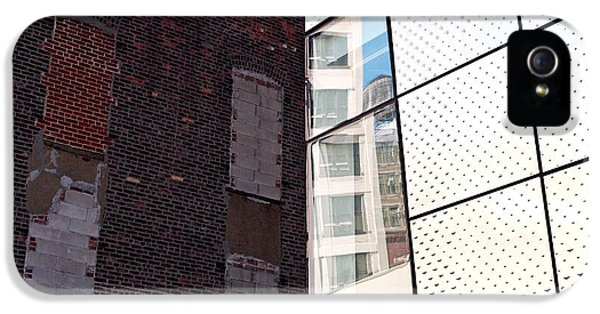 Architectural Juxtaposition On The High Line IPhone 5 Case