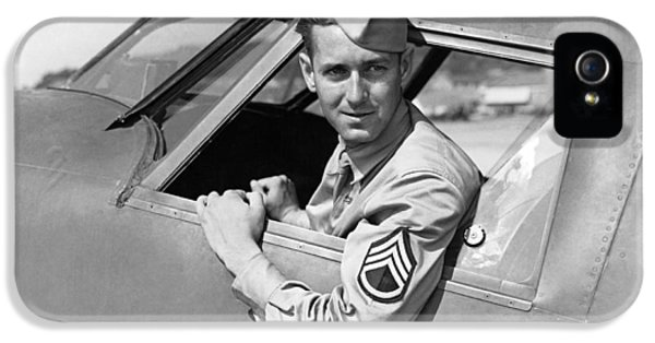 Army Pilot Looking Out Window IPhone 5 Case by Underwood Archives