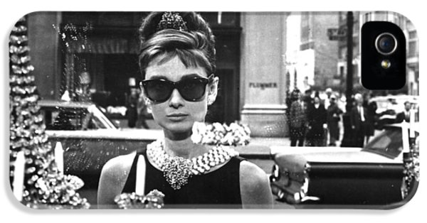 Actors iPhone 5 Case - Audrey Hepburn Breakfast At Tiffany's by Georgia Fowler