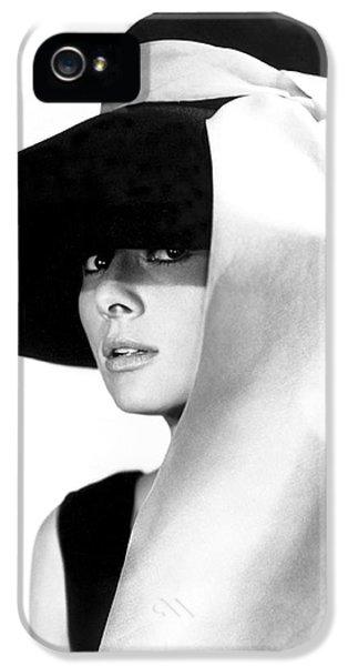 Audrey Hepburn iPhone 5 Case - Audrey Hepburn by Daniel Hagerman