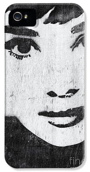 Audrey Hepburn iPhone 5 Case - Audrey Hepburn by Tim Gainey