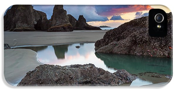 Bandon By The Sea IPhone 5 Case by Robert Bynum