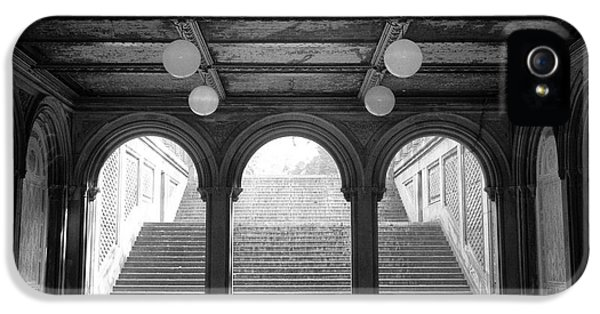 Bethesda Passage Central Park IPhone 5 Case by Dave Beckerman