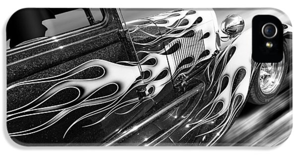 Blazing A Trail - Ford Model A 1929 In Black And White IPhone 5 Case by Gill Billington