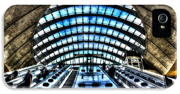 Canary Wharf Station IPhone 5 / 5s Case by David Pyatt