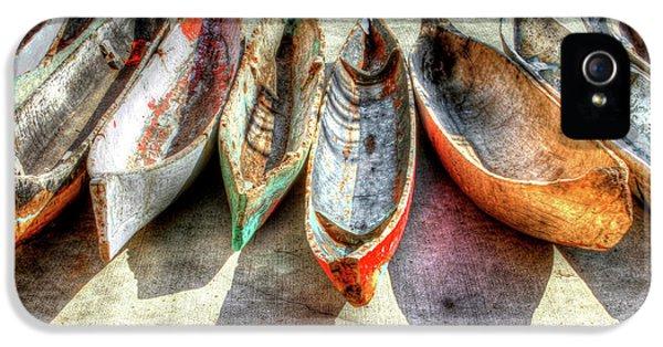Canoes IPhone 5 / 5s Case by Debra and Dave Vanderlaan