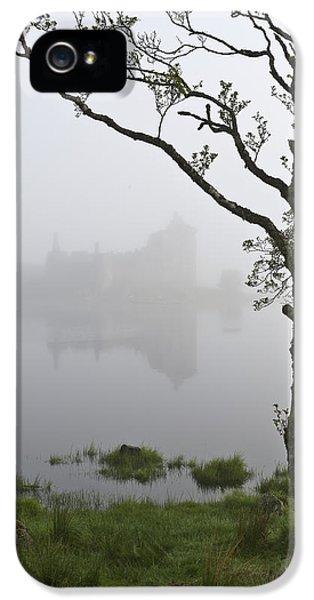 Castle Kilchurn Tree IPhone 5 Case by Gary Eason