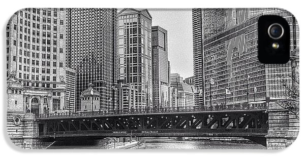 Architecture iPhone 5 Case - #chicago #blackandwhite #urban by Paul Velgos