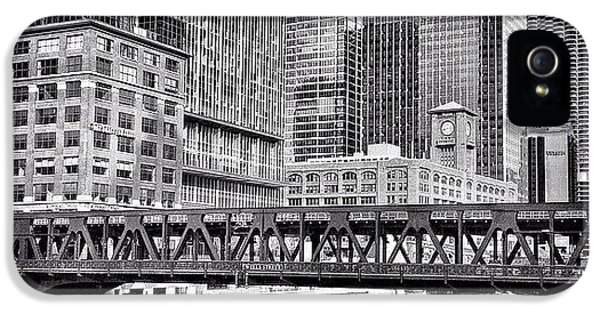 Architecture iPhone 5 Case - Wells Street Bridge Chicago Hdr Photo by Paul Velgos