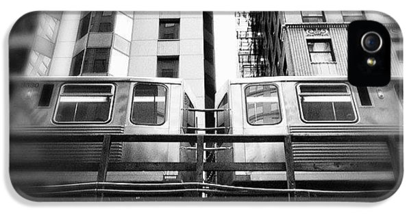 Architecture iPhone 5 Case - Chicago L Train In Black And White by Paul Velgos