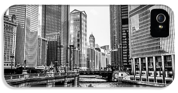 Chicago River Buildings In Black And White IPhone 5 Case