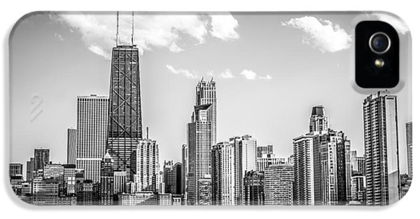 Hancock Building iPhone 5 Case - Chicago Skyline Picture In Black And White by Paul Velgos