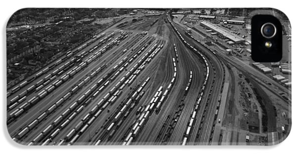 Chicago Transportation 02 Black And White IPhone 5 Case