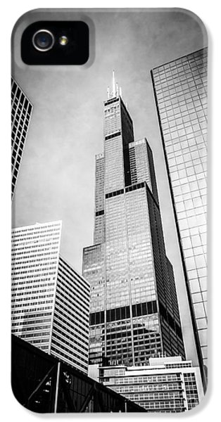 Chicago Willis-sears Tower In Black And White IPhone 5 / 5s Case by Paul Velgos