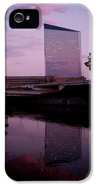 Cira Centre IPhone 5 Case