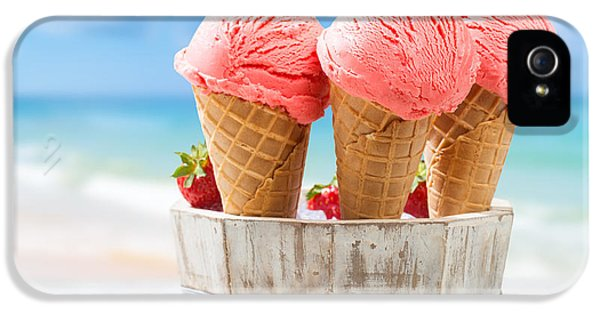 Close Up Strawberry Ice Creams IPhone 5 Case by Amanda Elwell