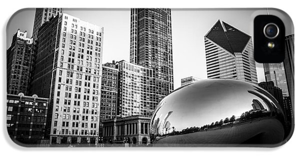 Cloud Gate Bean Chicago Skyline In Black And White IPhone 5 Case