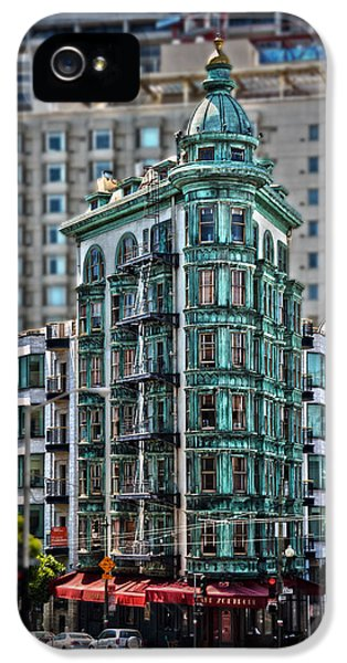 Columbus Tower In San Francisco IPhone 5 Case