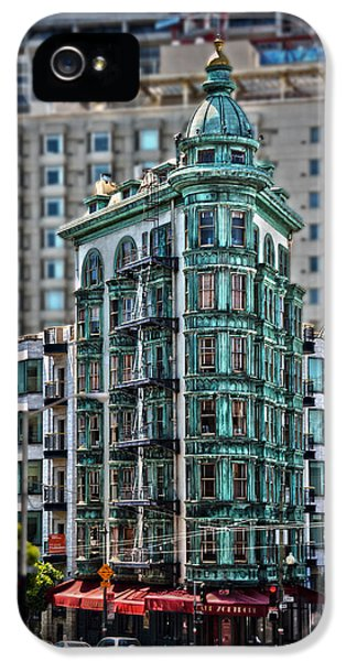 Columbus Tower In San Francisco IPhone 5 / 5s Case by RicardMN Photography