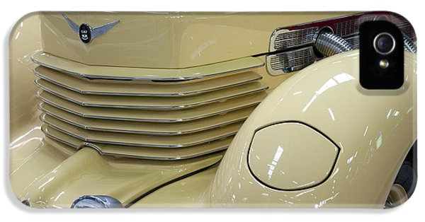 Cord 812 Oldtimer From 1937 Front IPhone 5 Case