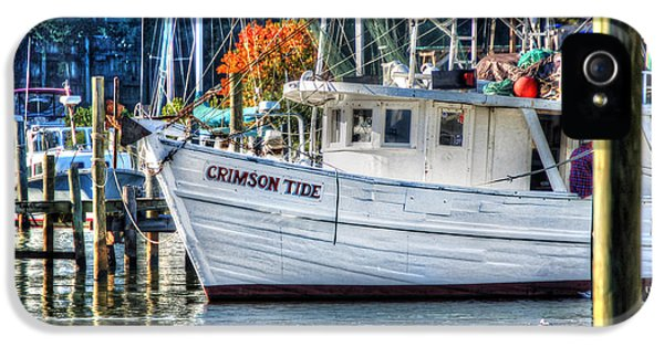 Crimson Tide In Harbor IPhone 5 Case by Michael Thomas