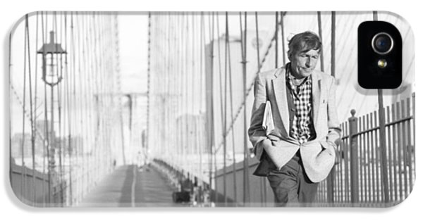 Crossing Brooklyn Bridge IPhone 5 Case by Dave Beckerman