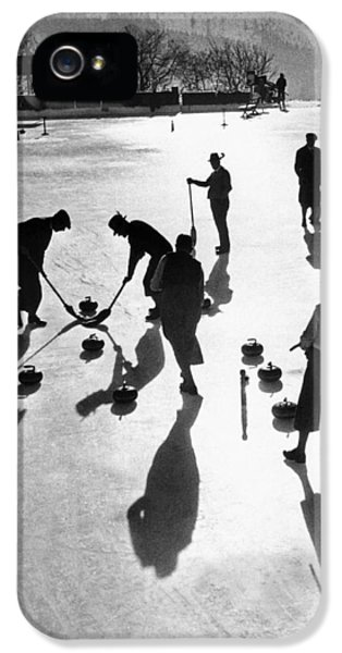 Curling At St. Moritz IPhone 5 Case by Underwood Archives