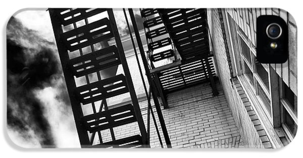Down The Fire Escape IPhone 5 Case by John Rizzuto
