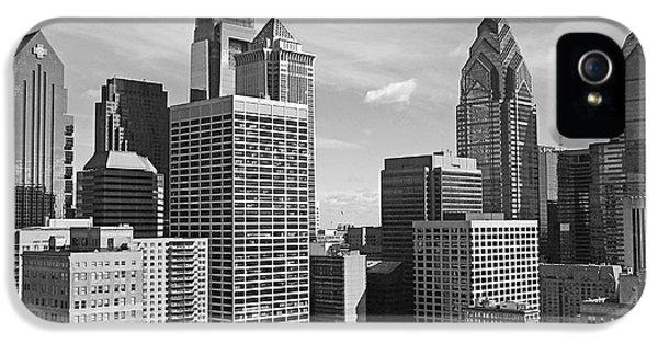 Downtown Philadelphia IPhone 5 / 5s Case by Rona Black