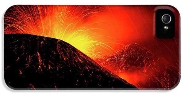 Etna iPhone 5 Case - Eruption By Night by Simone Genovese