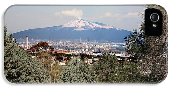 Etna iPhone 5 Case - Etna And Industry by Sheila Terry/science Photo Library