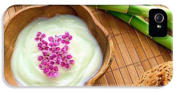 Facial Cream In Wood Bowl IPhone 5 Case