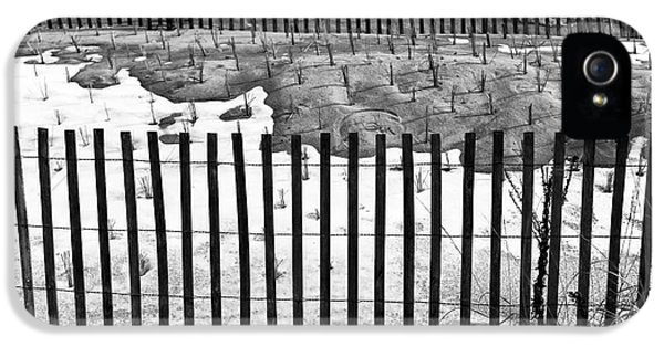 Fence Lines Mono IPhone 5 Case by John Rizzuto