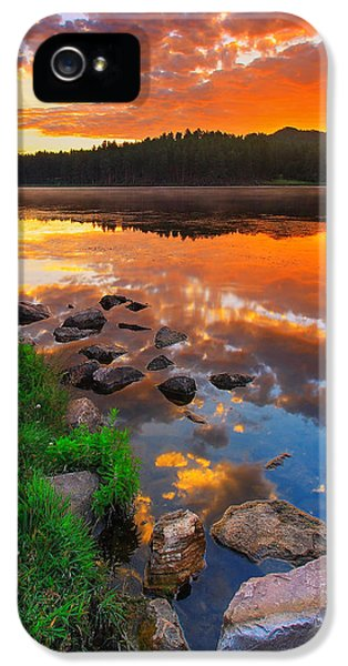 City Scenes iPhone 5 Case - Fire On Water by Kadek Susanto