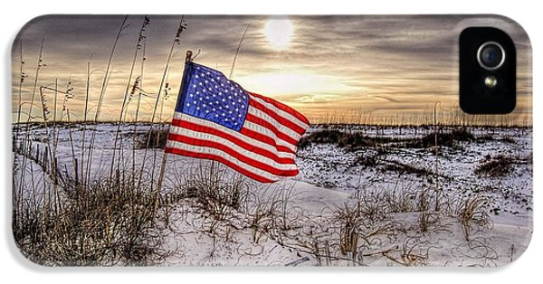 Flag On The Beach IPhone 5 Case by Michael Thomas