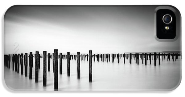 French iPhone 5 Case - Formation  - Study by Christophe Staelens