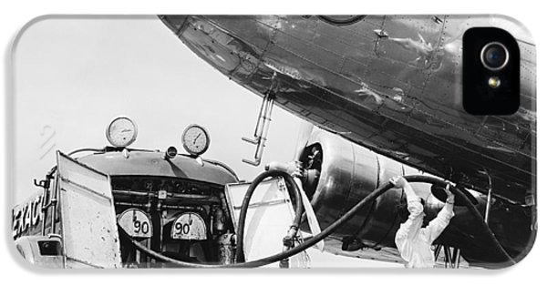 Fueling A Dc-3 Airliner IPhone 5 Case by Underwood Archives