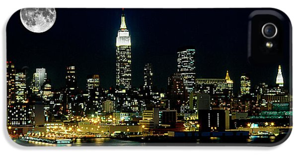 Full Moon Rising - New York City IPhone 5 Case by Anthony Sacco