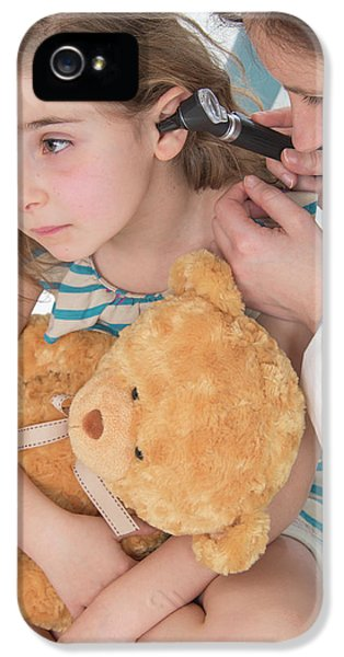 Girl Having Her Ears Examined IPhone 5 Case