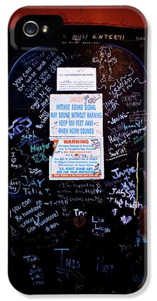 Graffiti Door IPhone 5 Case