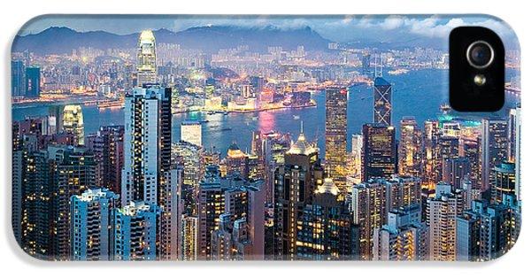 Skylines iPhone 5 Case - Hong Kong At Dusk by Dave Bowman