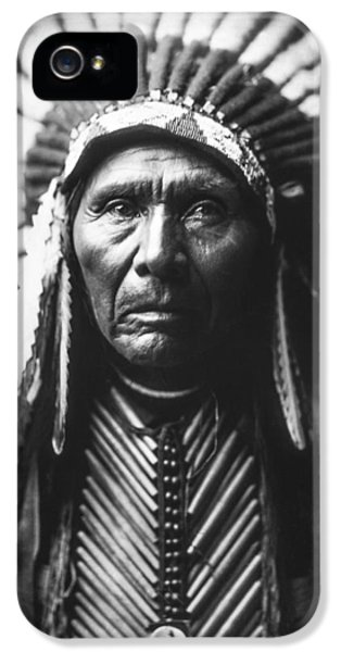 Portraits iPhone 5 Case - Indian Of North America Circa 1905 by Aged Pixel